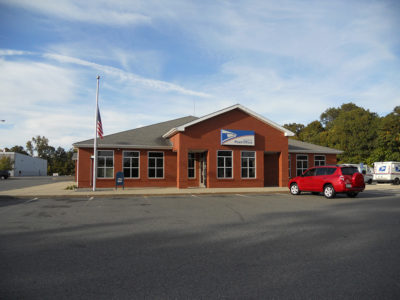 Front of US Post Office